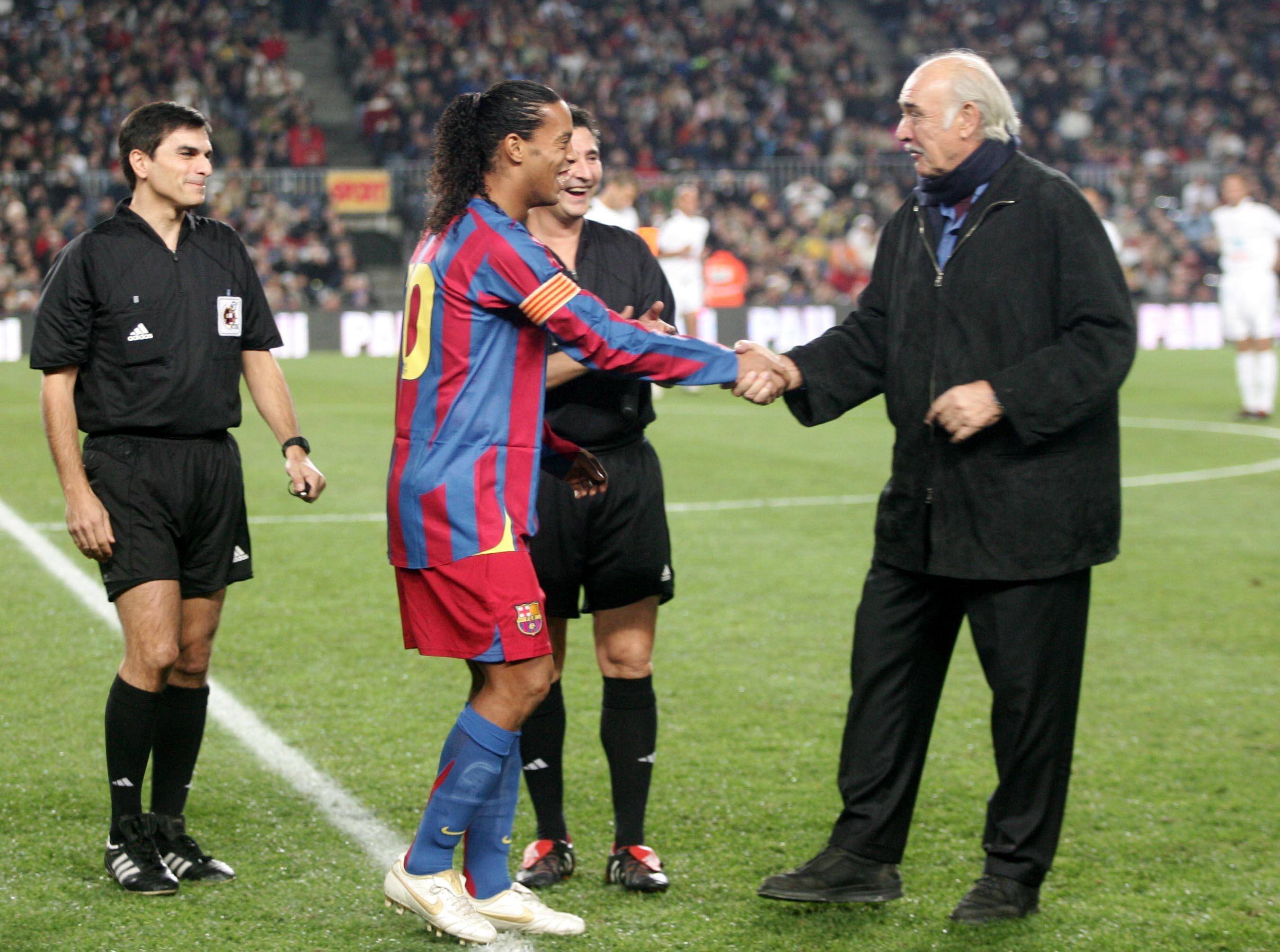 Ronaldinho Gaúcho e James Bond, juntos