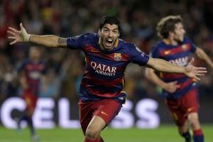 Suárez marca no final e Barcelona vence Bayer Leverkusen de virada