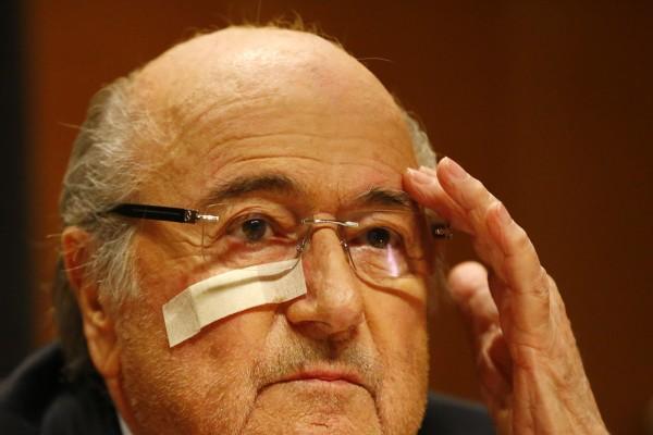 Blatter, suspenso por oito anos