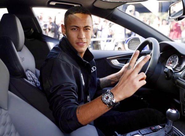 Neymar com seu novo Audi