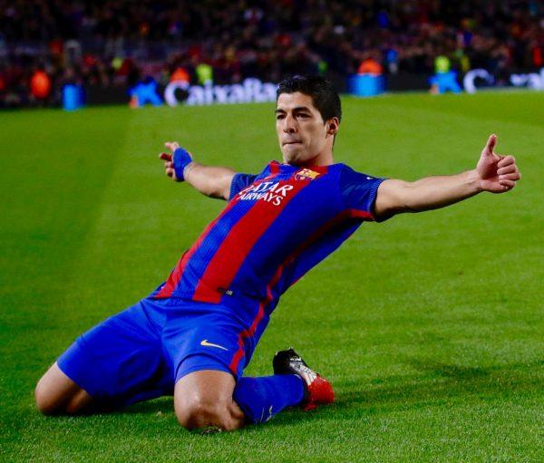Luis Suárez, comemorando seu 100º gol