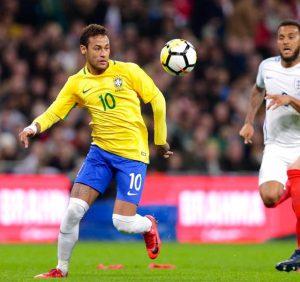 Neymar, contra a Inglaterra