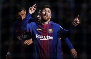 Paulinho, Jordi Alba e Messi