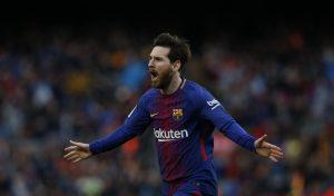 Messi comemorando um gol no Camp Nou