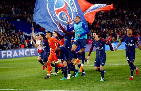 Os craques do PSG festejam o título francês