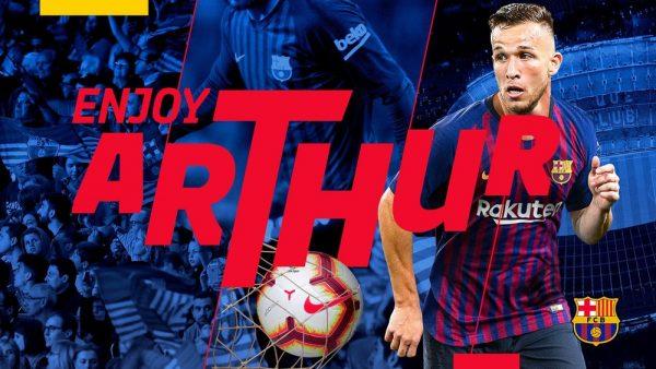 A foto do anuncio oficial feito pelo Barça