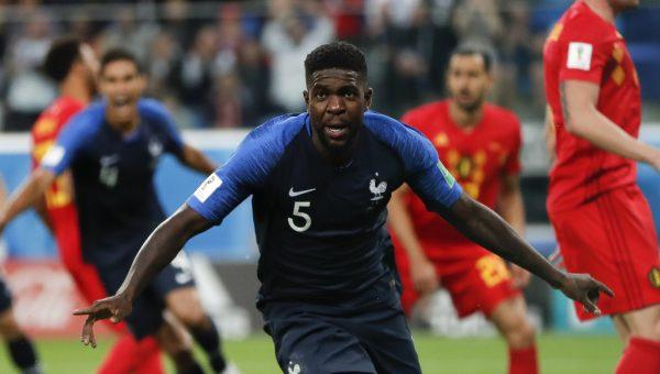 Samuel Umitit celebra o gol da França