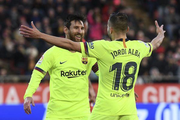 Messi comemora com Alba o segundo gol do Barça contra o Girona, pela Liga Espanhola