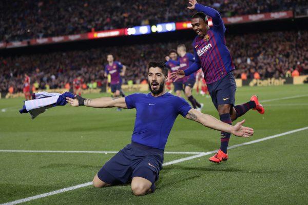 Suárez comemora o golaço que marcou