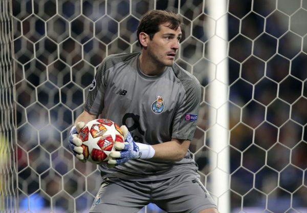 O goleiro do FC Porto, Iker Casillas, durante um jogo da atual edição da Liga dos Campeões