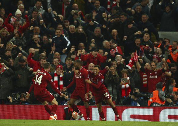 A festa dos craques do Liverpool no Estádio de Anfield