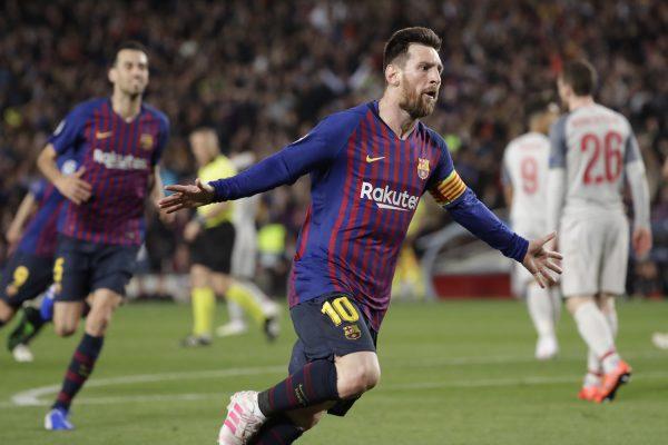 Messi comemora o 600º da carreira na vitória por 3 a 0 diante do Liverpool, no Camp Nou