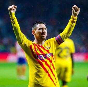 Leo Messi celebra o golaço contra o Atlético, pela Liga Espanhola