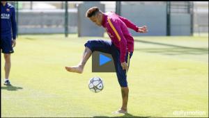 Neymar, treinando suas habilidades no CT do Barça