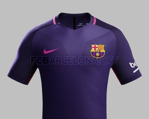 O uniforme reserva do Barça 2016/17