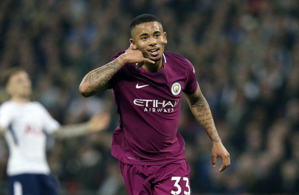 Gabriel Jesus comemora um gol contra o Tottenham