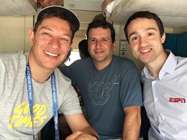 Lucas Duarte, Julio e Grigory Telingater nos trens da Rússia