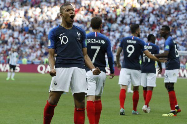 Mbappé comemorando gol contra a Argentina