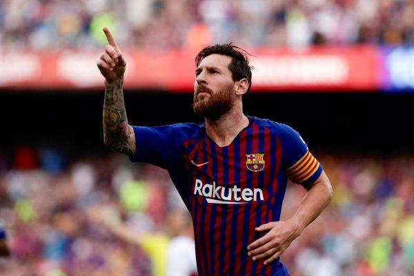 Messi celebrando um gol contra o Huesca, pela Liga Espanhola