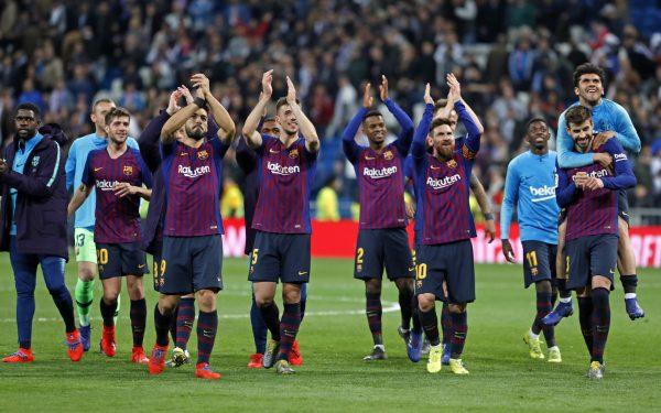 Os craques do Barça comemoram a vitória histórica no Bernabéu