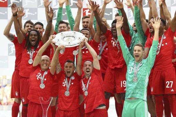 Os craques do Bayern de Munique comemoram o heptacampeonato da Bundesliga
