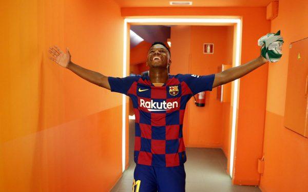 Ansu Fati, feliz após a estreia no Camp Nou