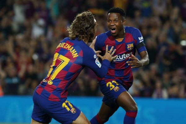 Ansu Fati celebrando um gol contra o Valencia